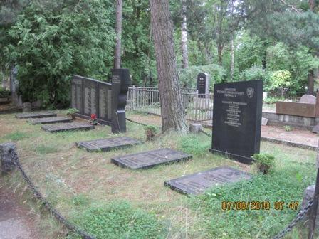 https://www.haudi.ee/uploads/burialplace_4c5cfec77a37e.jpg