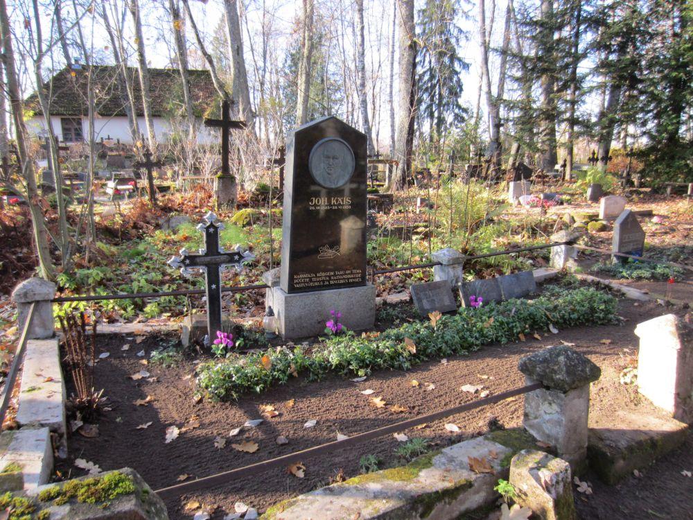 https://www.haudi.ee/uploads/burialplace_4ec50ea78e080.jpg