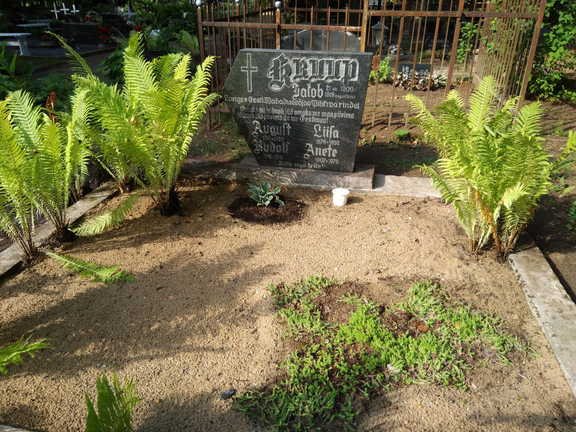 https://www.haudi.ee/uploads/burialplace_5bd1eee650a71.jpg
