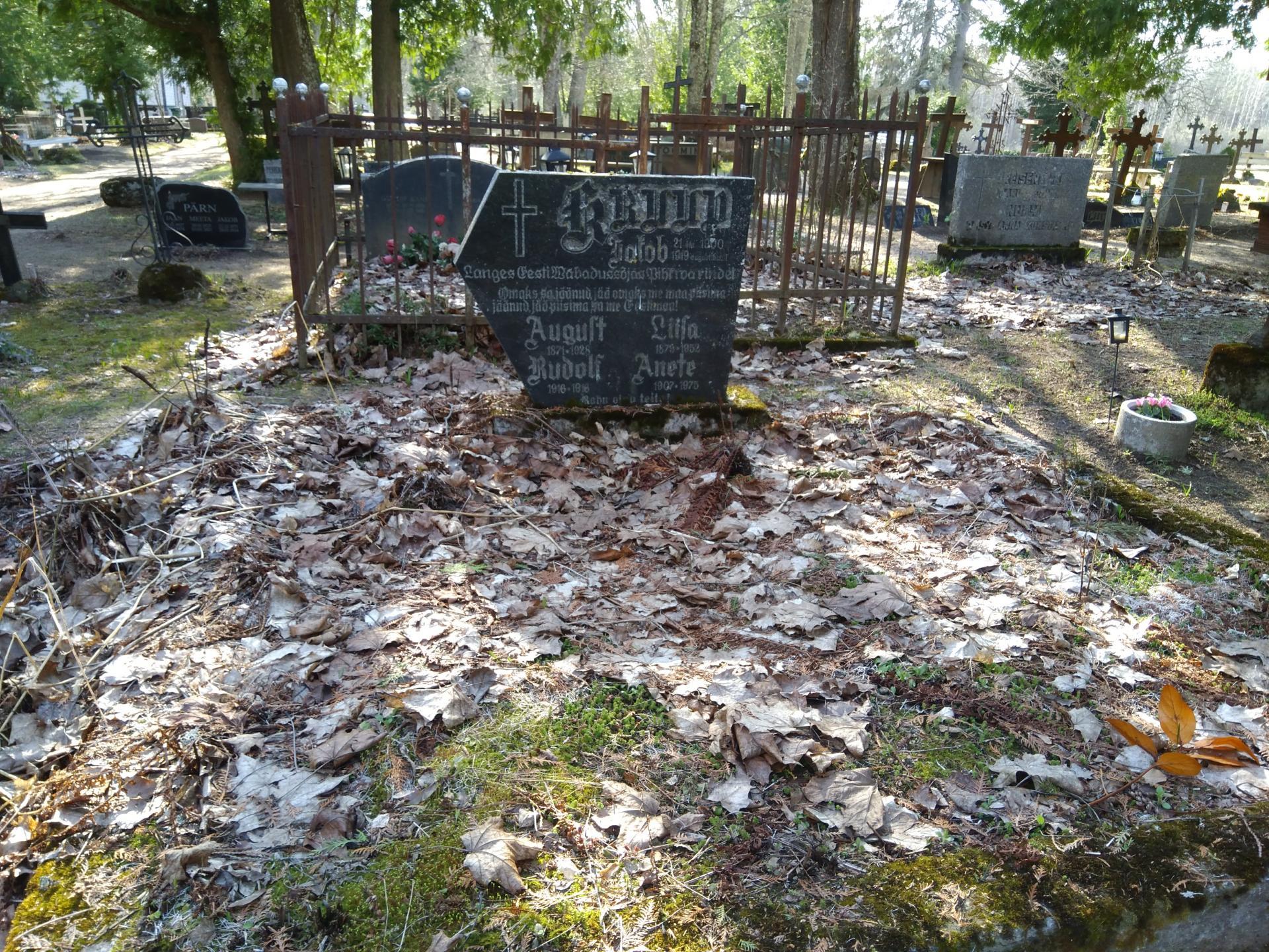 https://www.haudi.ee/uploads/burialplace_5bd20e703274a.jpg